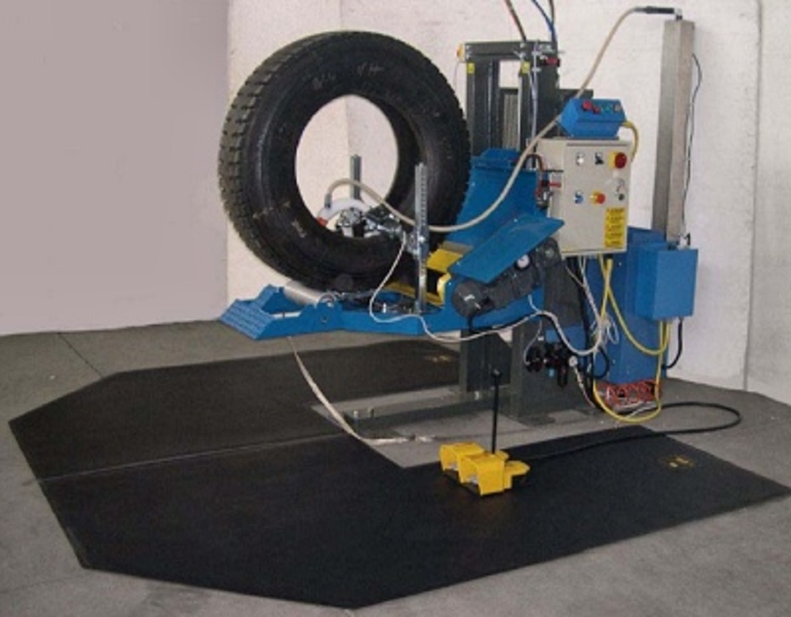 """VERTICAL INSPECTION STATION & """"SPECTRA"""" tyre tester"""